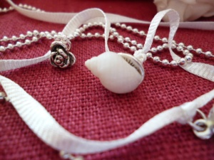 LA MARIEE MERINGUE COLLIER (4)